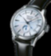 """Automático com indicador central de reserva   4R57. Indicador de reserva de marcha, Indicador de data, 21.600 vibrações por hora, Reserva de marcha: aproximadamente 41 horas, 29 rubis e 200 componentes, Capacidade de receber corda manual através da coroa, Caixa em aço inoxidável, Bracelete em pele, Vidro Hardlex especial (formato """"caixa""""), Tampa de rosca transparente (movimento à vista), Diâmetro de caixa: 40,50mm, WR: 10 bar, Estojo especial com oferta de bracelete adicional em pele e ferramenta para realizar a troca"""