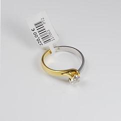 Anel Noivado Solitário, em Ouro Amarelo e Branco Premium de 19Kt e Zircónias AAA. Preço: 320€