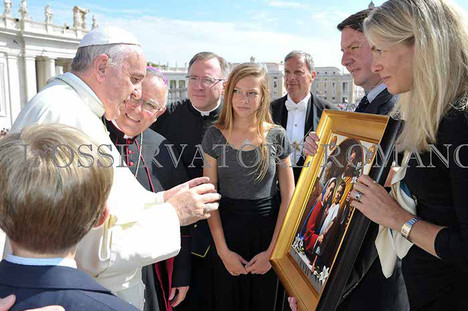 Presentation to Pope Francis of the 2015 World Meeting of Families icon
