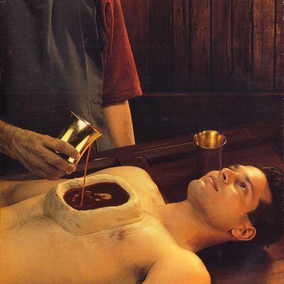 Chest oil therapy- Uro Basti