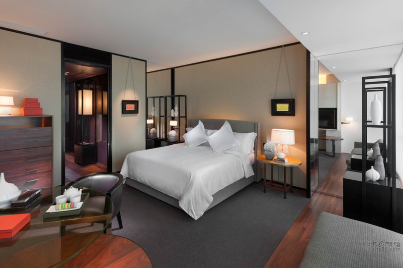 007 guangzhou-club-deluxe-room.jpg