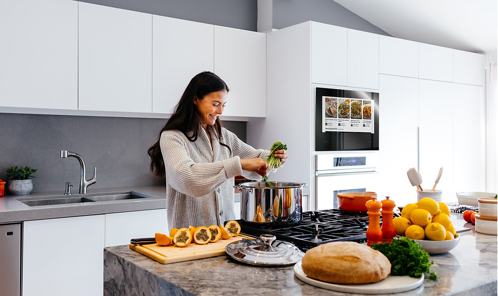 woman-cooking-with-mona-smartapps-.jpg