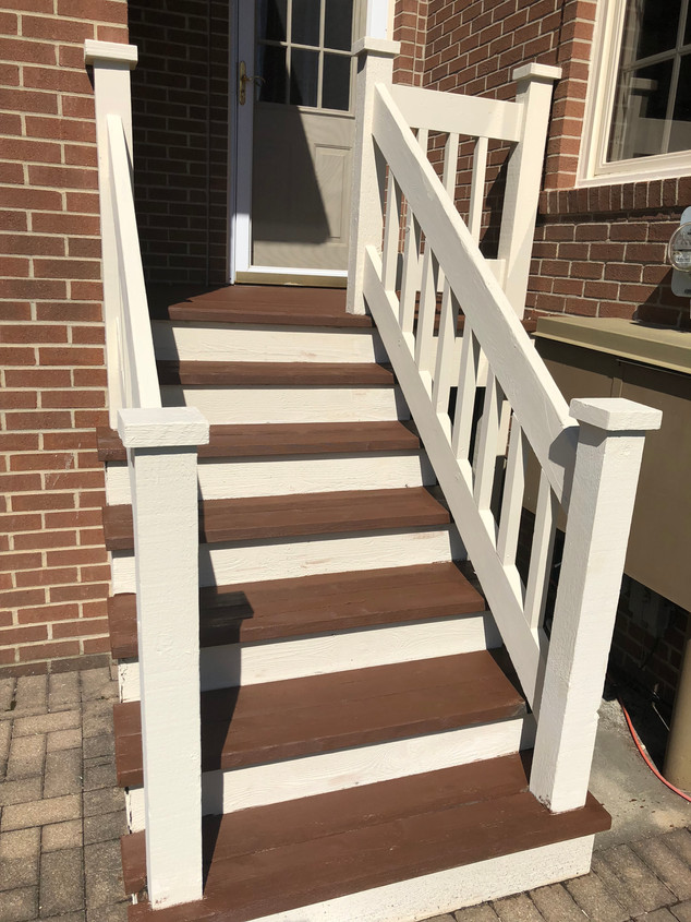Outdoor Deck Staining