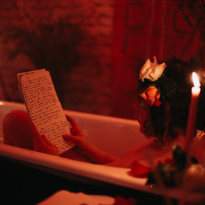 Перформанс Перформанс«Romantic bath for a single lover»