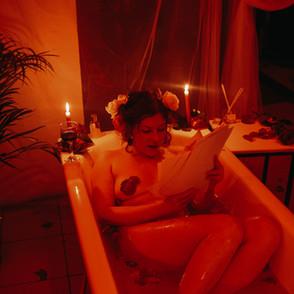 Перформанс«Romantic bath for a single lover»