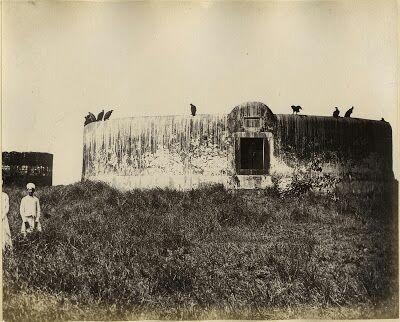 Foto de una antigua Torre del Silencio