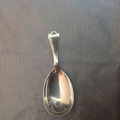 Silver caddy spoon rat tail trefid shape 1917