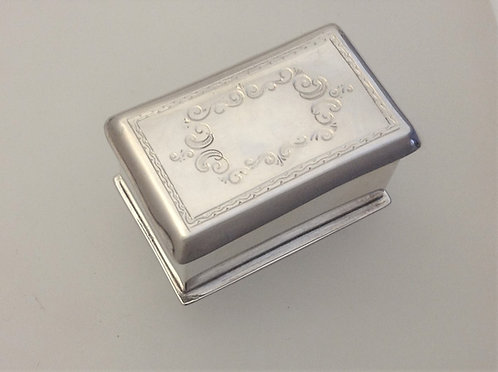 Hand wrought Silver trinket box Jon Braganza