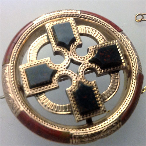 Gold Scottish Blood Stone and Agate Brooch