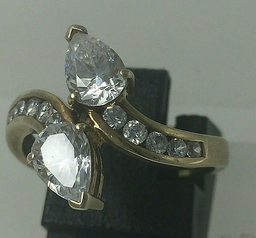 Stunning 9ct gold dress cocktail or engagement ring with CZ Size N