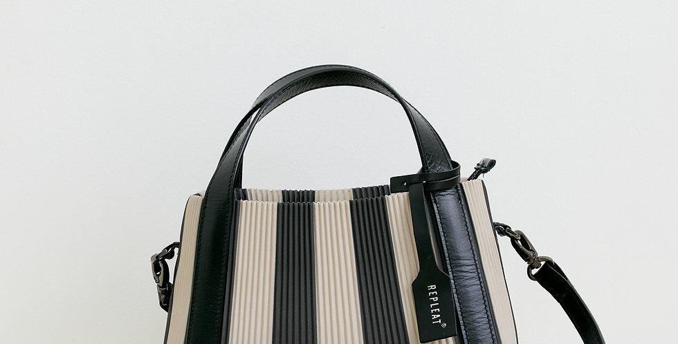Pleated Handbag 22  TOFFEE