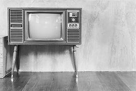 kak-raspolozhit-televizor-v-interere-gos