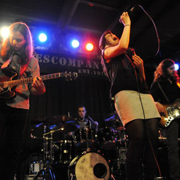 Mit MANÜLA 2011 als Vorband der Blues Company credit: famouzphotographs.com