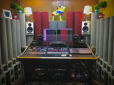 Studio Lance.jpg