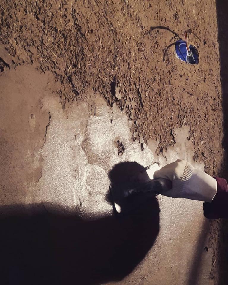 Enduit mince argile sable
