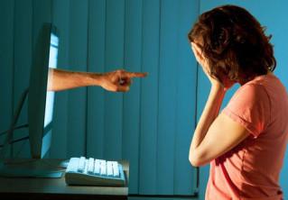 Nella diffamazione su Internet si può agire in giudizio nel foro del proprio domicilio