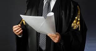 Onorari legali: non si applica il foro del consumatore se anche il cliente è un avvocato