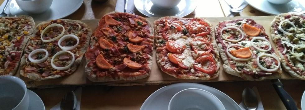 Pizza night at Nuk Tessli