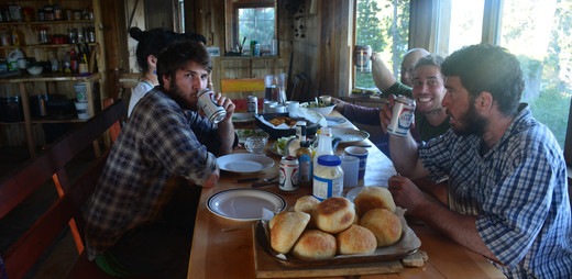 Lunch time at Nuk Tessli
