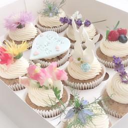 Edible flower bunny cupcakes KMcakesEind