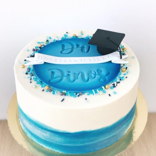 GraduationCakeKMcakesEindhoven.jpg