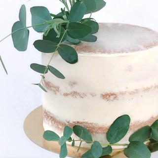 Semi-naked-cake-KMcakesEindhoven.JPG