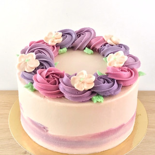 Piped buttercream wreath KMcakesEindhove