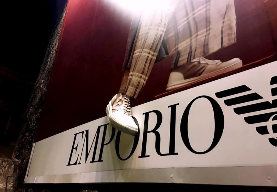 Emporio-Armani-cartellone-stampato-in-3d