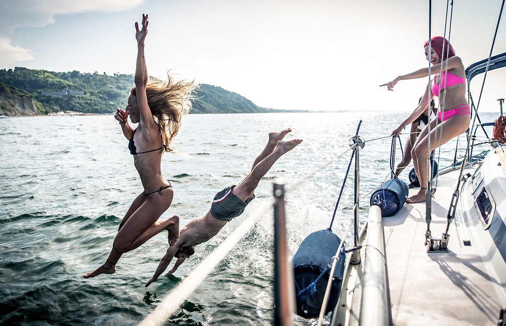 yachting vacation, boat rental, sailing with friends