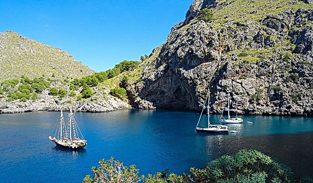 sailing holidays spain, yacht charter spain, bareboat charter, yacht rental