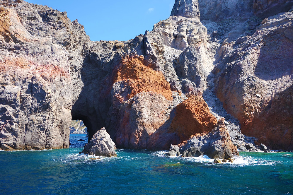 Sailing Aeolian islands, yacht charter italy