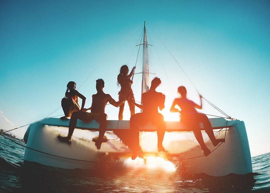 Fun yacht cruise
