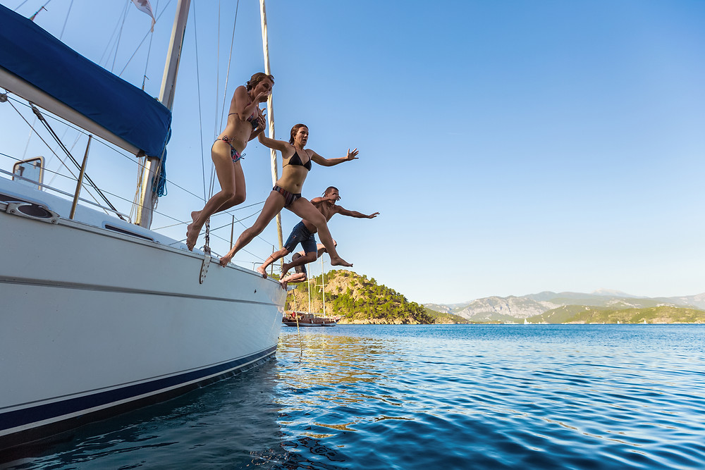 sailing holiday with friends, cabin yacht charter