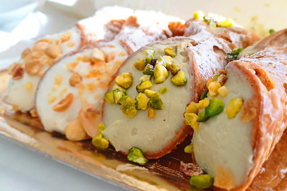 sicilian cannoli, dessert