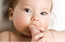 A boca e as mãos possuem muitos neuroreceptores. Esse simples gesto revela conquistas incríveis
