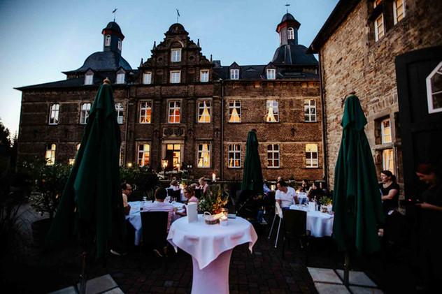 Hochzeit Schloss Hugenpoet-121.jpg