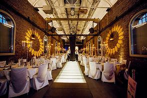 Hochzeit Lokschuppen-1.jpg