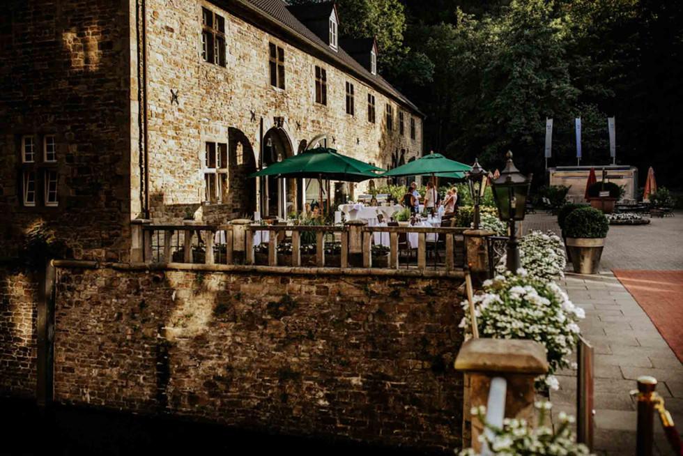 Hochzeit Schloss Hugenpoet-101.jpg