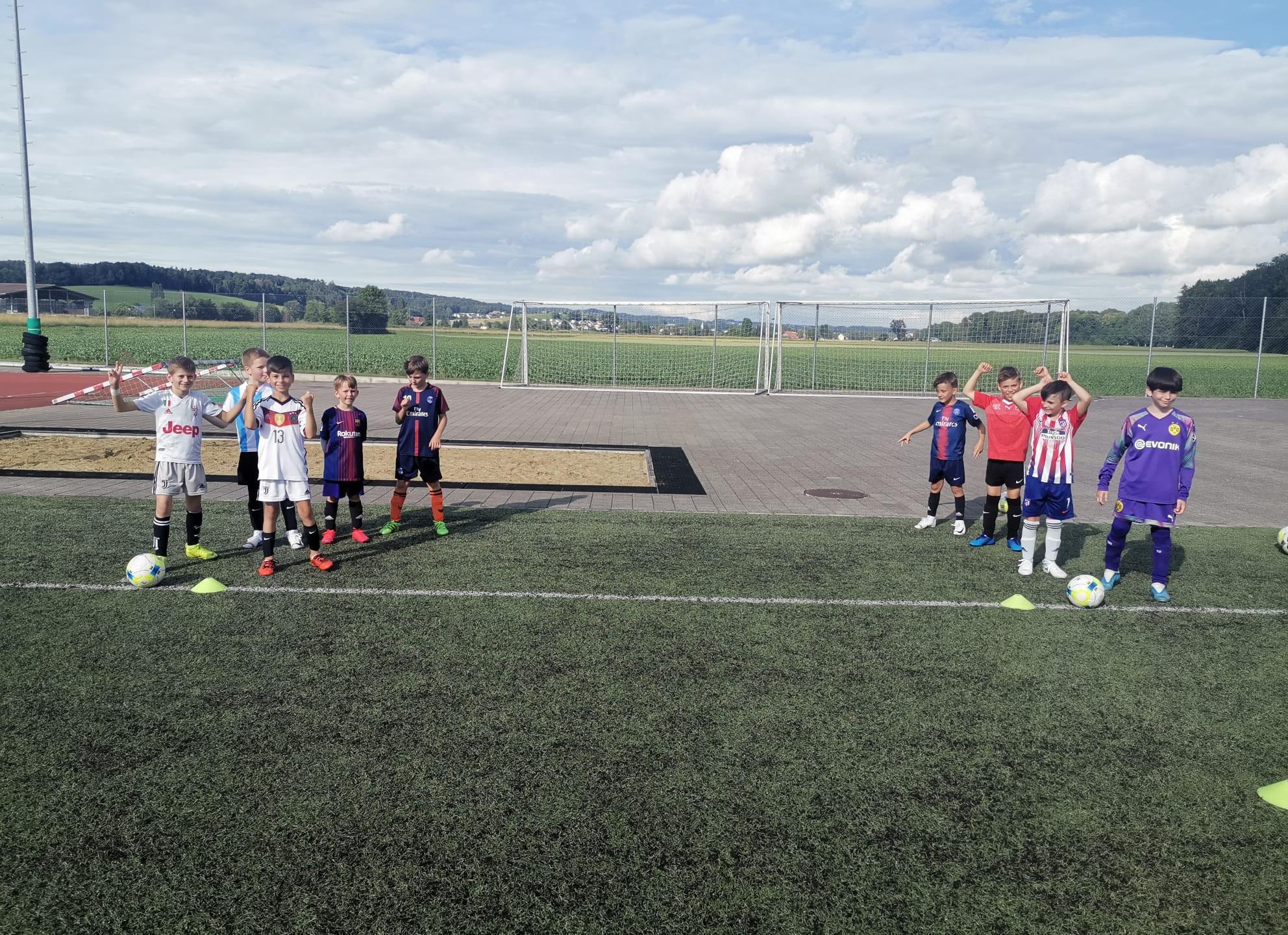 Die Freude am Fussball ist den Junioren anzusehen.