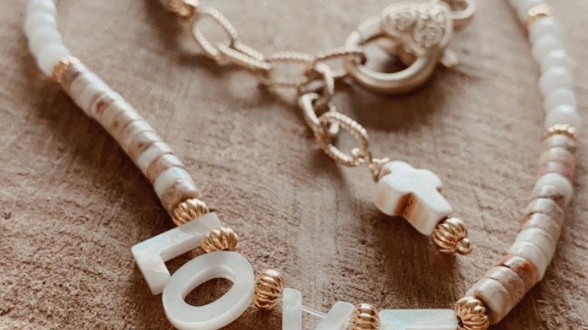 Collier «Beige mon amour»