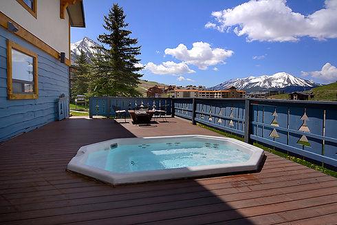 nordic_02 hot tub.jpg
