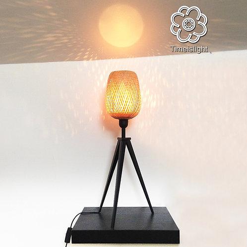Lampe tripode en bambou NID D'HIRONDELLE - Ø 23,5 cm x H 61 cm - Timeislight