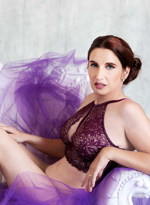 Celebrating Your Life With A Boudoir Shoot