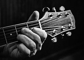 guitar-806256_640.jpg