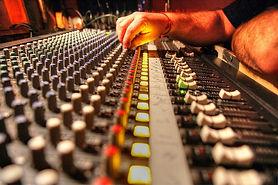 soundboard-942821_640.jpg