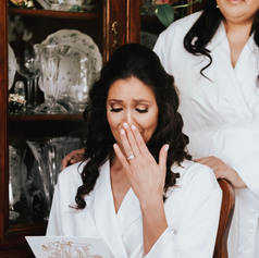 Organic storytelling shot of bride