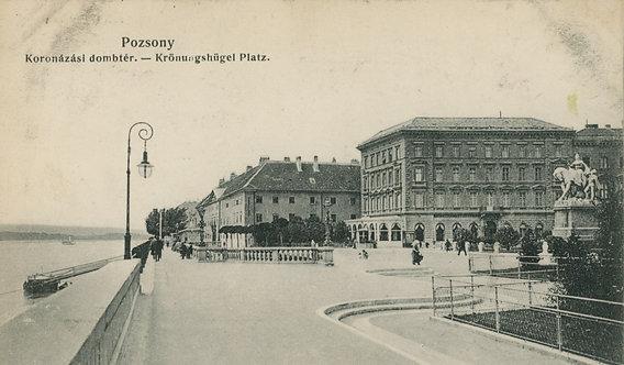 Pohľadnica Pozsony / Bratislava, Koronázási dombtér - Krönungshügel Platz