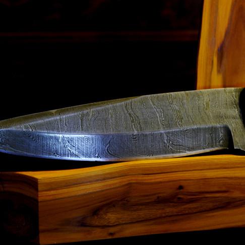 Bespoke hunting knife by Tom Regula