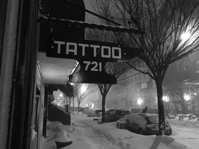 Beste Saison für Tattoos: Schnee und kaltes Wetter.