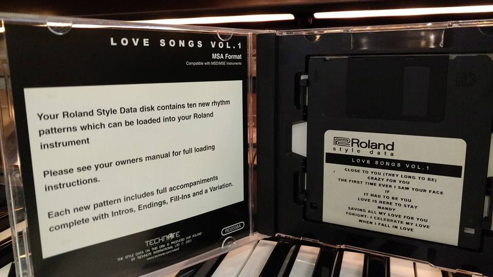 Roland Style Disk-Love Songs